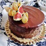 tort cu crema de vanilie si ciocolata reteta clasica 1 150x150 - Tort cu crema de vanilie si ciocolata, reteta pas cu pas