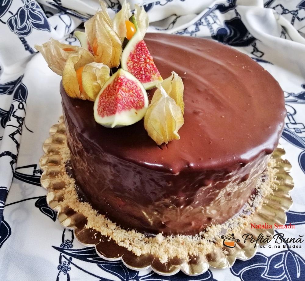 Tort cu crema de vanilie si ciocolata, reteta pas cu pas
