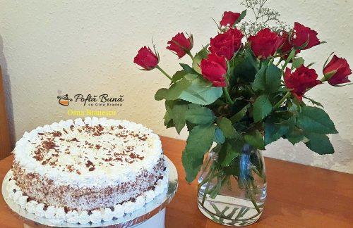 tort cu crema de zahar ars si branza 1 500x324 - Tort cu crema de zahar ars si branza, reteta simpla si rapida