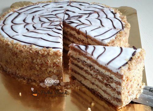 tort luiza cu nuca si coniac 1 500x363 - Tort Luiza cu foi bezea cu nuca si crema fina de galbenusuri cu unt