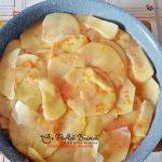 Tortilla sau omleta cu cartofi la cuptor si mai ce e in frigider