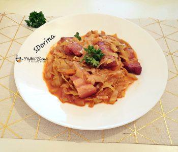 Varza dulce cu carne de porc la cuptor, reteta traditionala