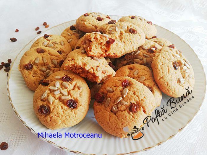 Biscuiti fragezi cu unt de arahide gina bradea 7 700x525 - Biscuiți fragezi cu unt de arahide, reteta veche dar modernizata