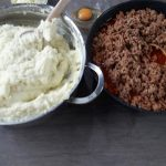 Musaca de cartofi piure si carne tocata, reteta clasica