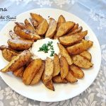 cartofi wedges la cuptor 2 150x150 - Cartofi wedges la cuptor, o garnitura rapida si gustoasa, fara mult ulei