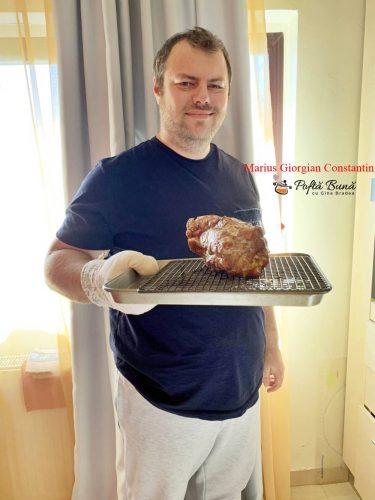 ceafa de porc cu cartofi noi la cuptor 4 375x500 - Ceafa de porc la cuptor, frageda si rumena, reteta clasica