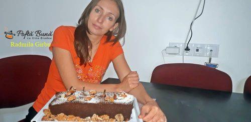 chec cu pere reteta simpla 2 500x243 - Chec cu pere si cacao, reteta de chec festiv cu fructe intregi