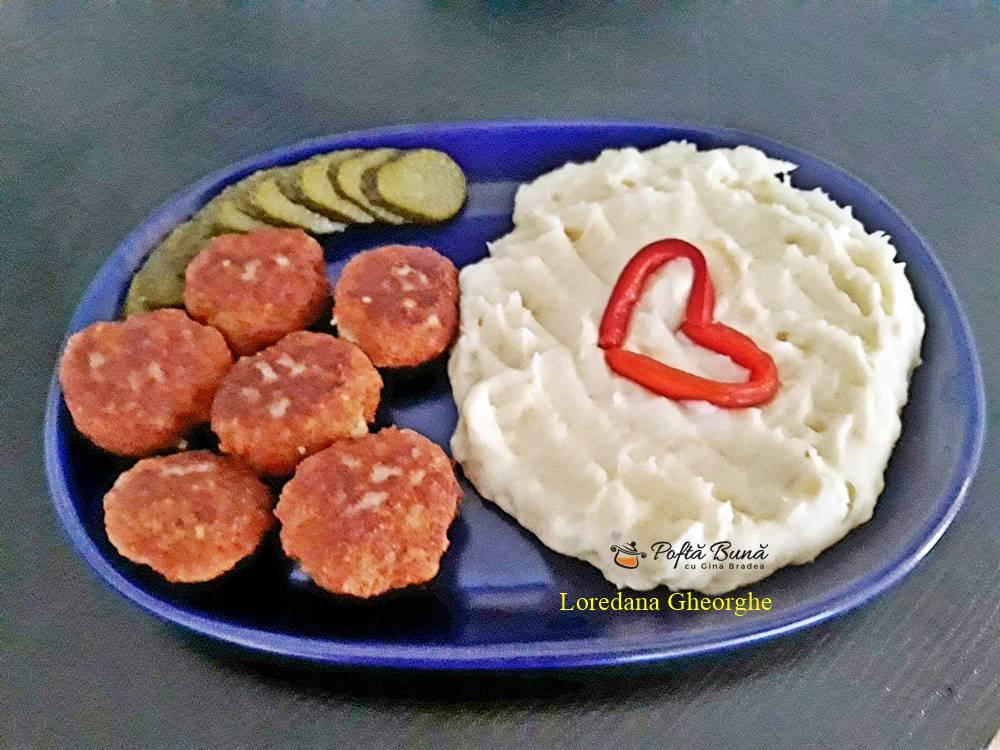 chiftele cu piure de cartofi reteta simpla 1 - Chiftele cu piure de cartofi, reteta clasica, pas cu pas