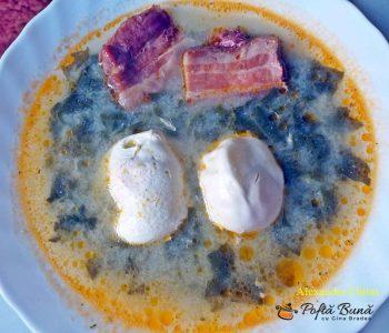 Ciorba de macris cu slanina afumata si oua intregi, reteta traditionala