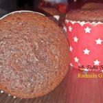 cupcakes cu cacao gem de visine si frisca 1 150x150 - Cupcakes cu cacao, gem de visine si frisca, moi, pufoase si gustoase