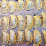 Empanadas, placintele sau coltunasi cu carne tocata, la cuptor