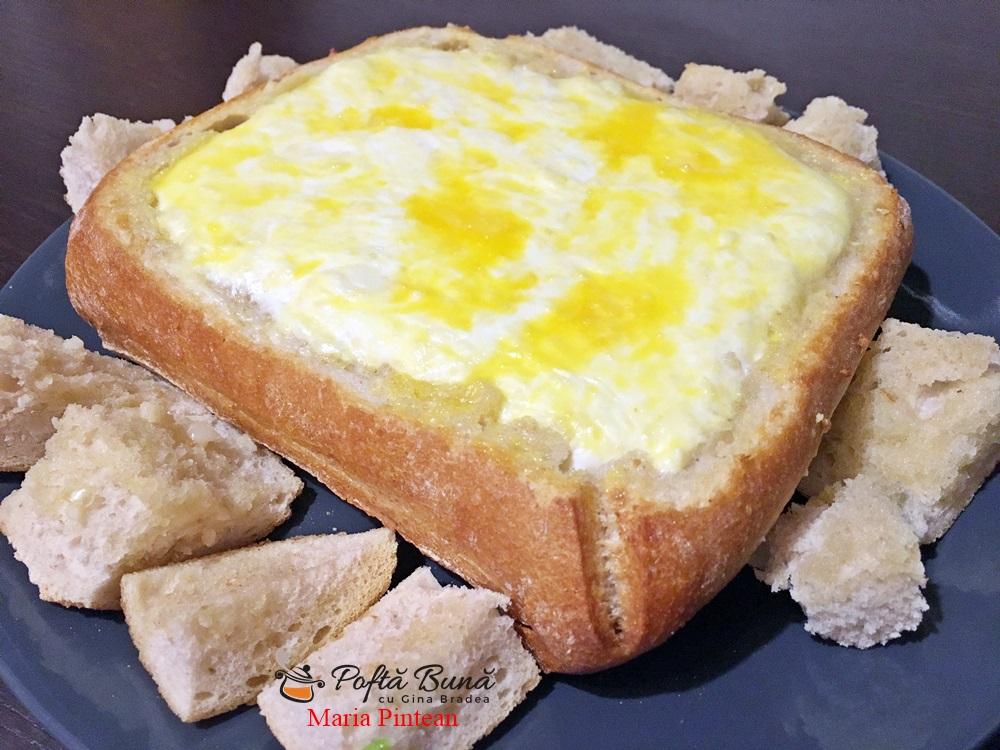 Fondue in bol de paine