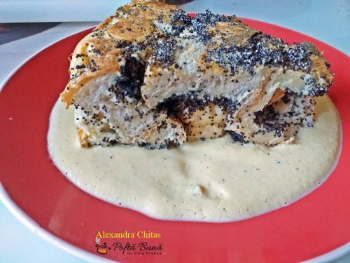 Guba cu mac (mákos guba, bobajka) cu sos de vanilie
