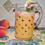 limonada de piersici cu menta reteta simpla 1 150x150 - Limonada de piersici cu menta, lamaie si cuburi de gheata