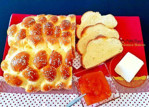 paine cu lapte si unt ideala pentru micul dejun 6 500x358 - Paine impletita, cu lapte si unt, ideala pentru micul dejun