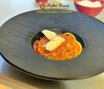 Pasta Amatriciana, reteta clasica italiana de paste cu sos de rosii