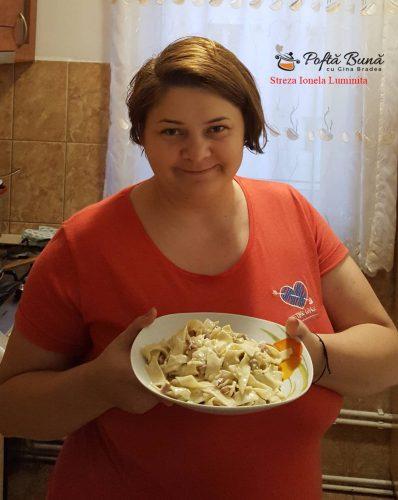 paste carbonara reteta pas cu pas 1 398x500 - Paste cu smantana, ciuperci si bacon, reteta italiana veche