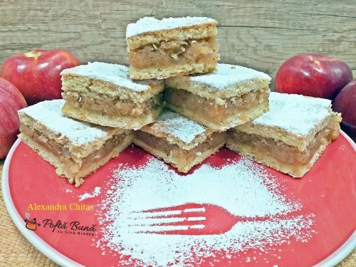 prajitura cu mere reteta rapida 3 500x375 - Prajitura cu mere si scortisoara, cu foi facute-n casa