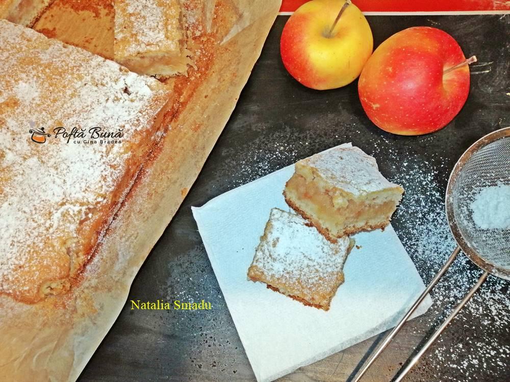 Prajitura turnata cu mere si aluat pufos, reteta pas cu pas