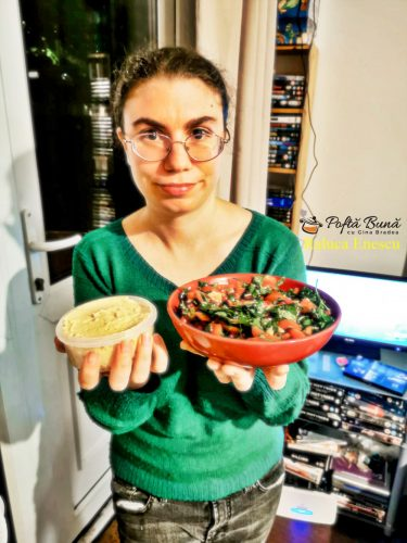 reteta hummus si salata de rosii cu rodii 3 375x500 - Hummus si salata de rosii cu rodii, reteta rapida, simpla si sanatoasa
