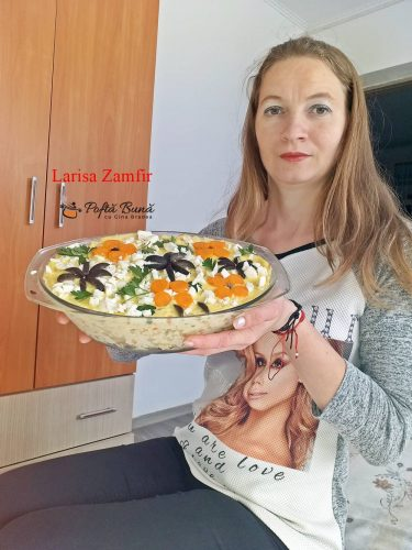 salata boeuf cu piept de pui 2 375x500 - Salata de boeuf cu piept de pui, varianta romaneasca si gustoasa