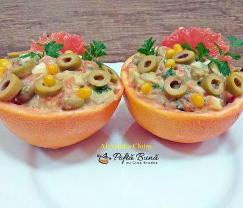 Salata de peste cu grapefruit, porumb si patrunjel, reteta rapida