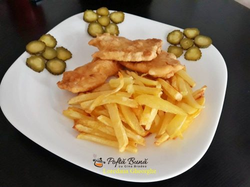 snitele din piept de pui cu cartofi prajiti reteta simpla 7 500x375 - Snitele din piept de pui cu cartofi prajiti, reteta clasica