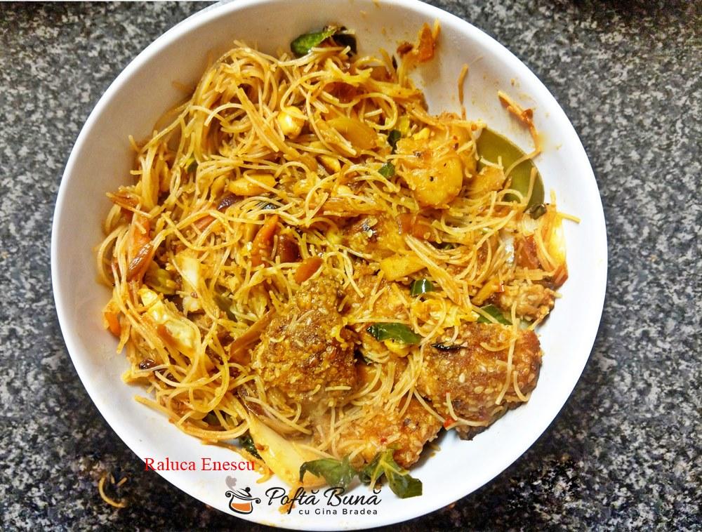 Stir fry la wok cu pui, ananas si caju, in stil chinezesc
