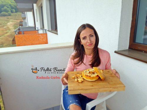 supa crema de pui si ciuperci in paine de casa1 500x375 - Supa crema de pui si ciuperci in paine de casa