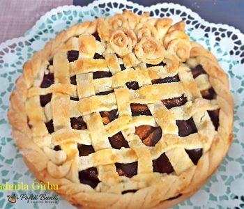 Tarta cu prune, aluat fraged si scortisoara sau vanilie, reteta clasica