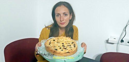 tarta cu prune reteta pas cu pas 3 500x243 - Tarta cu prune, aluat fraged si scortisoara sau vanilie, reteta clasica