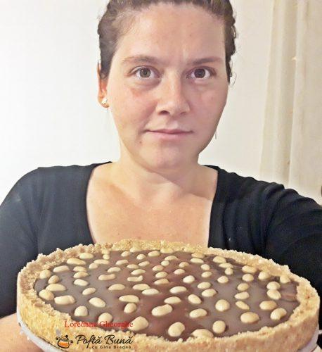 tarta snickers reteta simpla 1 458x500 - Tarta Snickers cu aluat fraged, crema de ciocolata si alune