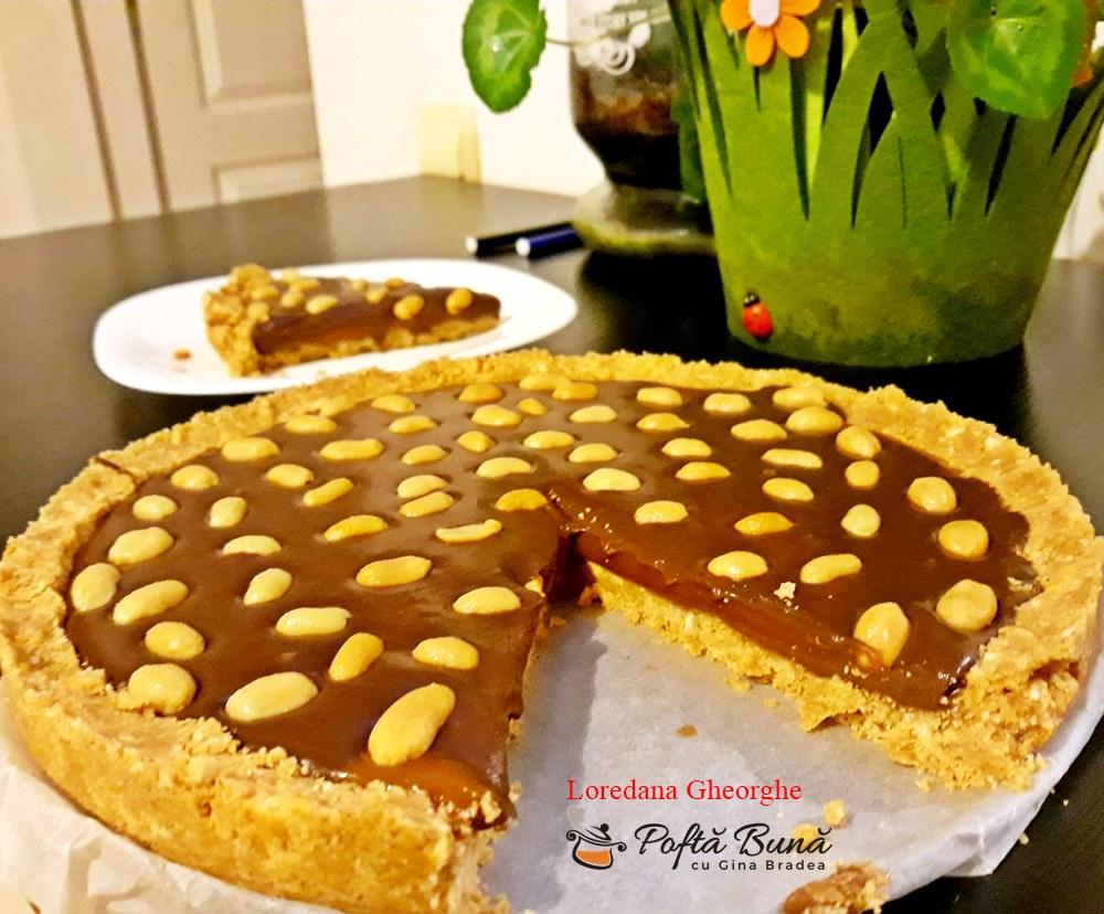 tarta snickers reteta simpla 6 - Tarta Snickers cu aluat fraged, crema de ciocolata si alune