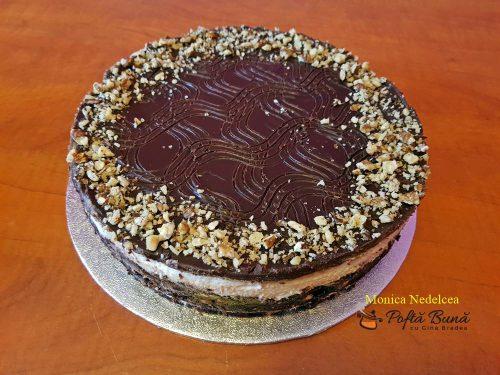 tort de biscuiti cu ciocolata reteta rapida 2 500x375 - Tort din biscuiti cu ciocolata, reteta indragita a copilariei
