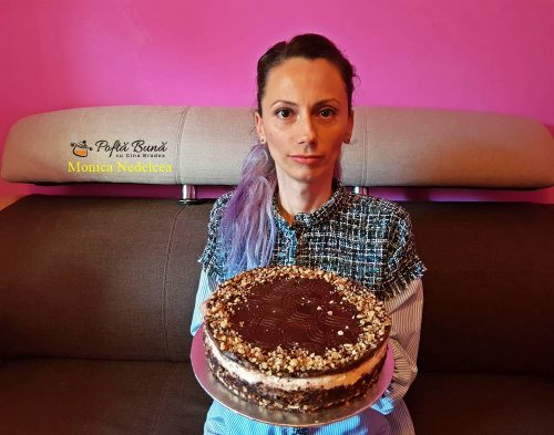 tort de biscuiti cu ciocolata reteta rapida 3 500x393 - Tort din biscuiti cu ciocolata, reteta indragita a copilariei
