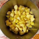 tort de mere si crema de zahar ars reteta pas cu pas 4 150x150 - Tort de mere si crema de zahar ars, reteta veche si savuroasa