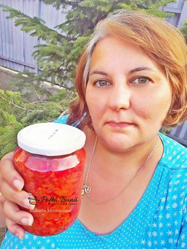 zacusca fasole macinata reteta simpla 4 375x500 - Zacusca de fasole uscata cu gogosari, reteta traditionala