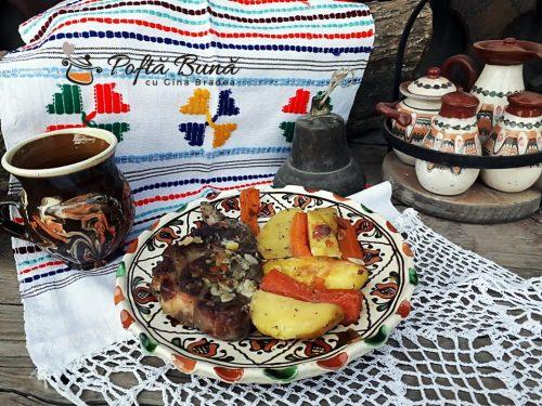 Ceafa de porc la cuptor reteta gina bradea 7 500x375 - Ceafa de porc la cuptor cu legume