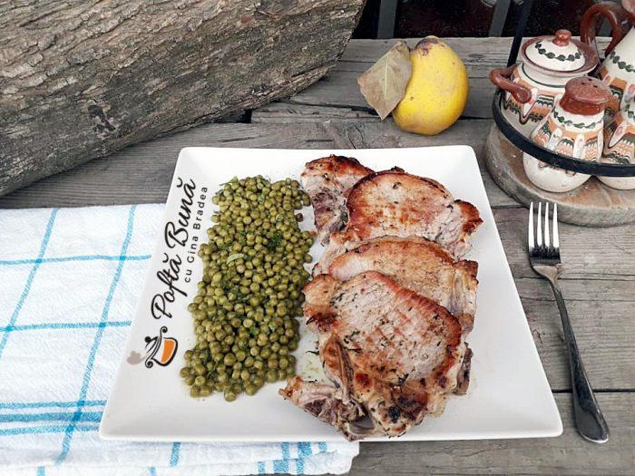 Cotlet de porc fraged la gratar sau tigaie gina bradea 5 700x525 - Cotlet de porc fraged