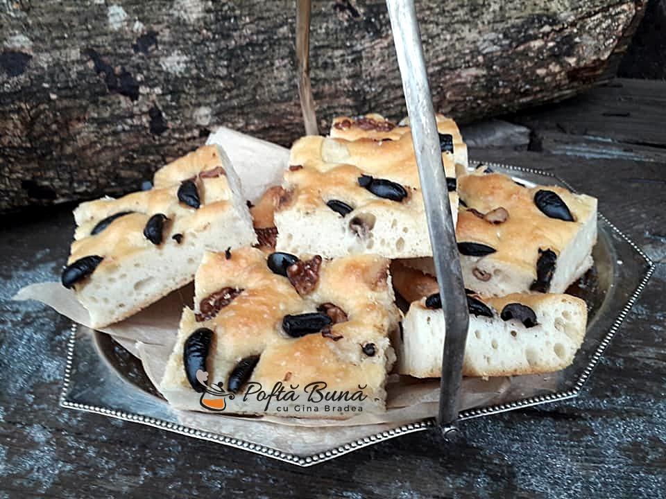 Focaccia cu masline si nuci, reteta italiana