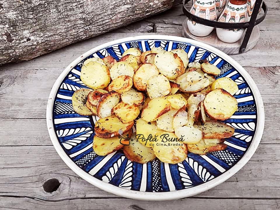 Cartofi la cuptor rondele cu cimbru si usturoi