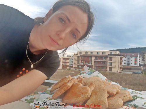 biscuiti cu miere reteta simpla 2 500x375 - Biscuiti cu miere