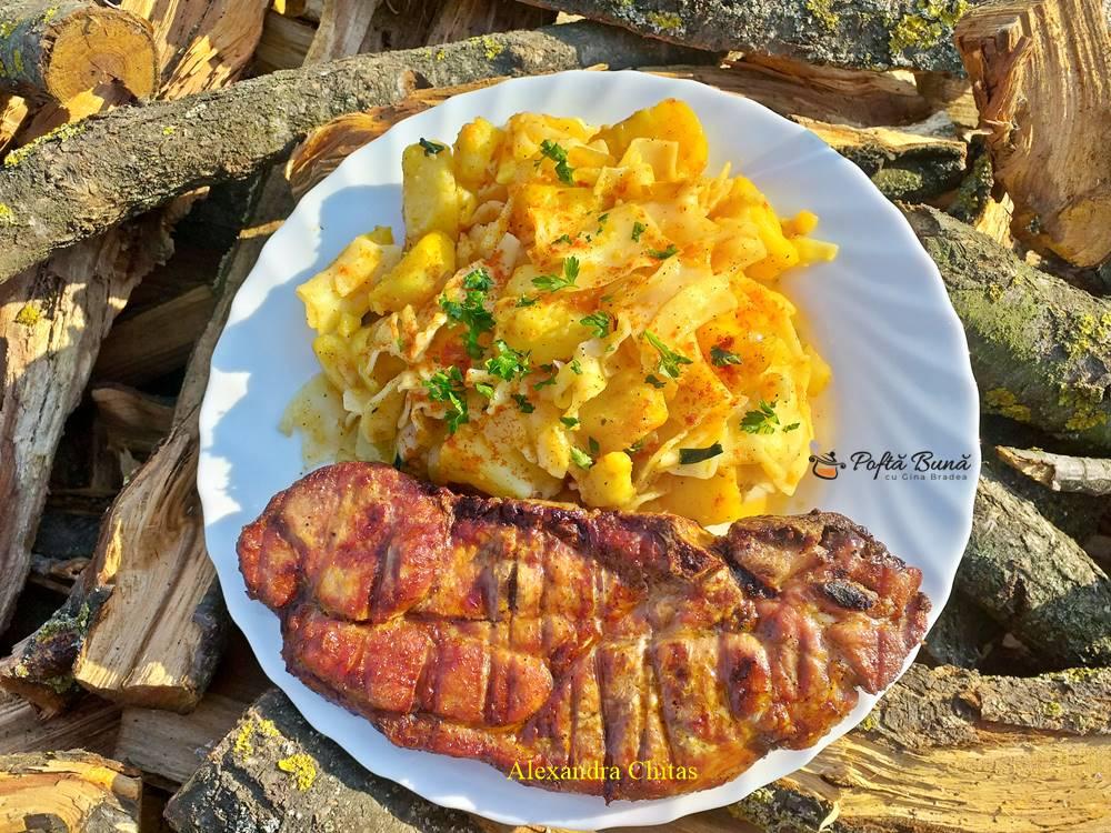 Cartofi cu paste (de post sau cu ceafa de porc)