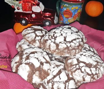 chocolate crinkels biscuiti crapati cu ciocolata 6 350x300 - Biscuiti crapati cu ciocolata, chocolate crinkles