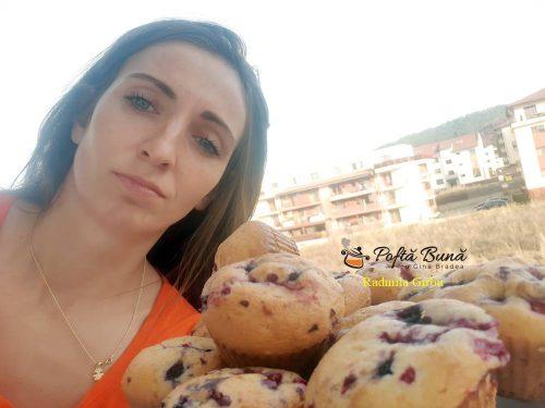 muffins cu fructe de padure reteta rapida 5 500x375 - Briose cu fructe de padure