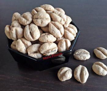 Fursecuri boabe de cafea, biscuiti fragezi cu unt