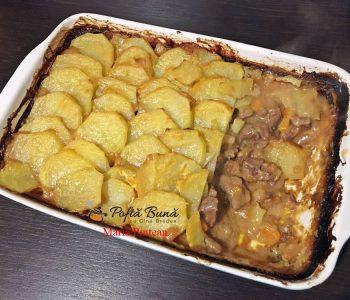 Carne de vita cu cartofi la cuptor