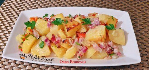 Cartofi taranesti cu ceapa rosie, boia si bacon