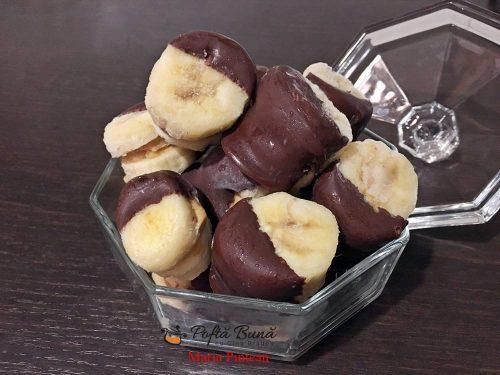 gustari inghetate cu banane si ciocolata 1 500x375 - Gustari inghetate cu banane
