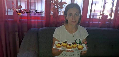 mini tarte cu crema de vanilie si fructe de padure 1 500x243 - Mini tarte cu crema de vanilie si fructe de padure